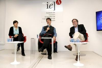 Fernanda De Negri, Mario Salerno e Carlos Américo Pacheco
