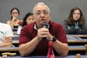 Paulo Saldiva fala durante o debate