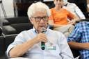 José da Rocha Carvalheiro faz perguntas durante o debate