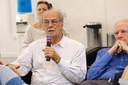 Luiz Bevilacqua faz perguntas ao expositor durante o debate