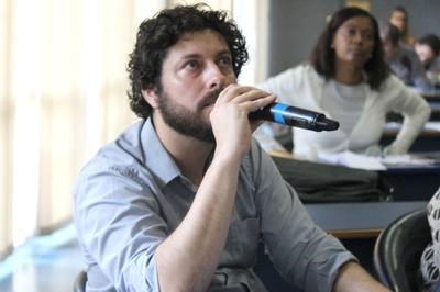 César Simoni Santos faz perguntas aos expositores - 1/10/2018