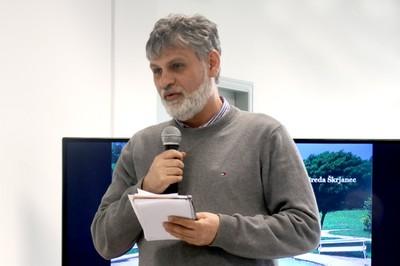 João Francisco Justo Filho abre o evento e apresenta a expositora