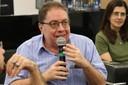 Flavio Ulhoa Coelho faz perguntas durante o debate