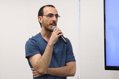 Pedro Bravo de Souza faz perguntas ao expositor