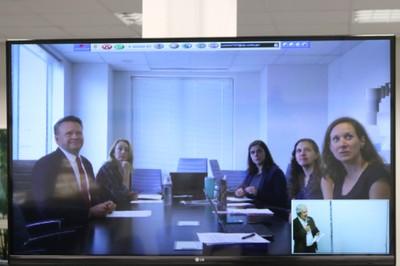 Amy Leffler,  Erica L. Smith, Mark Motivans,  Suzanne Strong, e Barbara Oudekerk, via Skype