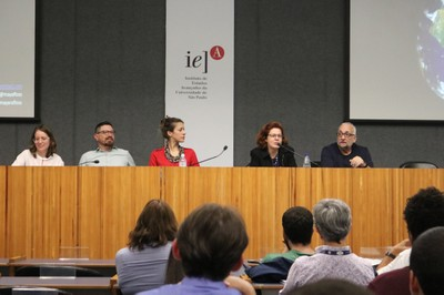 Mayara Floss, Enrique Barros, Sonja Ayeb-Karlsson, Karina Pavão Patrício e Paulo Saldiva