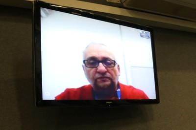 Paulo Saldiva articipa da abertura do evento via Skype