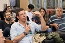 Astolfo Gomes de Mello Araújo faz perguntas durante o debate
