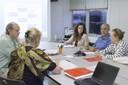 A partir da esquerda, de costas, Maritta Koch-Weser, Martin Grossmann, Monique Vanni, José Pedro de Oliveira Costa e Maria de Lourdes Davies de Freitas