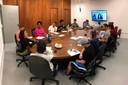 Eliana Sousa Silva conduz reunião com integrantes do Programa Centralidades Periféricas
